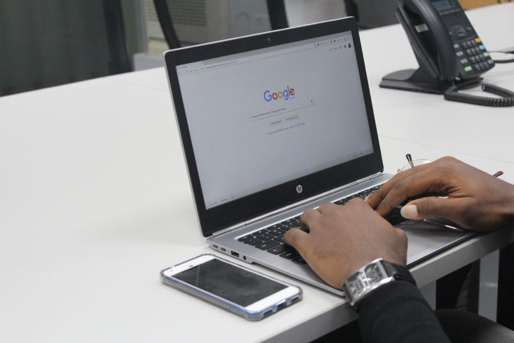 Buscar empleos únicamente en el internet