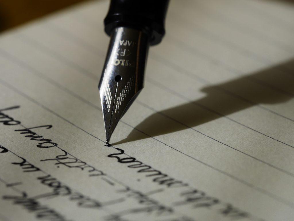 Cuidar de la ortografía y gramática en tu resumen curricular